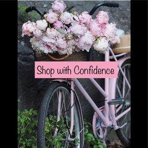 ⭐️Posh Ambassador/ Shop with confidence 🛍👗👛